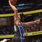 NBA – Top 5 de la nuit : Aaron Gordunk décolle de la Terre en direction du soleil