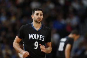 NBA – Les Wolves continueraient de chercher un trade pour Ricky Rubio