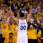NBA – Top 5 de la nuit : Stephen Curry fait perdre la boule à Kyrie Irving