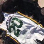 Insolite – Un fan du Jazz fait un barbecue avec le maillot de Gordon Hayward