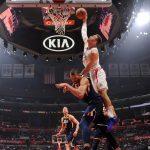 NBA – Top 10 de la nuit : Blake Griffin escalade la tour Gobert !
