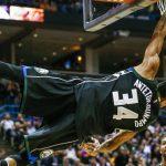 NBA – Top 10 de la nuit : L'alley-oop terrifiant de Giannis Antetokounmpo !