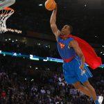 NBA – Top 10 de la nuit : Après quelques années, Dwight Howard renfile enfin le costume de Superman !