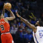 NBA – Top 5 de la nuit : Le super poster d'Antonio Blakeney sur Julius Randle