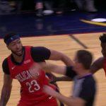 NBA – Anthony Davis se fait expulser et disjoncte contre l'arbitre !