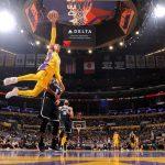 NBA – Top 10 de la nuit : Les Lakers font le show