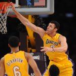 NBA – Top 10 de la nuit : Larry Nance Jr fait hurler le Staples Center avec ce poster terrifiant sur Kevin Durant !