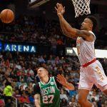 NBA – Top 5 de la nuit : La station John Collins décolle pour Pluton !