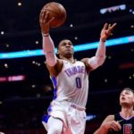 NBA – Top 5 de la nuit : Russell Westbrook dépose une no-look pass lumineuse !