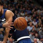 NBA – Top 10 de la nuit : Le duel épique entre Tyus Jones et LeBron James