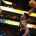 NBA – Top 10 de la nuit : Donovan Mitchell, le voyageur galactique !