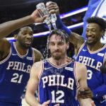 NBA – T.J. McConnell écrit l'histoire des Sixers en voyant triple