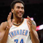 NBA – Top 10 de la nuit : Huestis rend justice au Thunder, Alex Len condamné