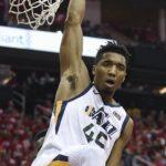 NBA – Donovan Mitchell revient sur son énorme dunk : «pour être honnête, j'essayais juste de mettre un floater»