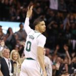 NBA – Top 5 de la nuit : Jayson Tatum postérize le King !