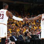 NBA – L'ex-GM des Cavs explique pourquoi le duo LeBron/Kyrie n'a pas fonctionné