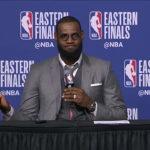 Insolite – LeBron James active le mode robot en conférence de presse