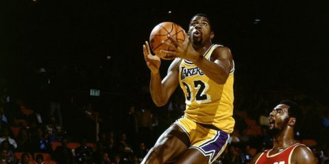 Magic Johnson sous le maillot de Lakers