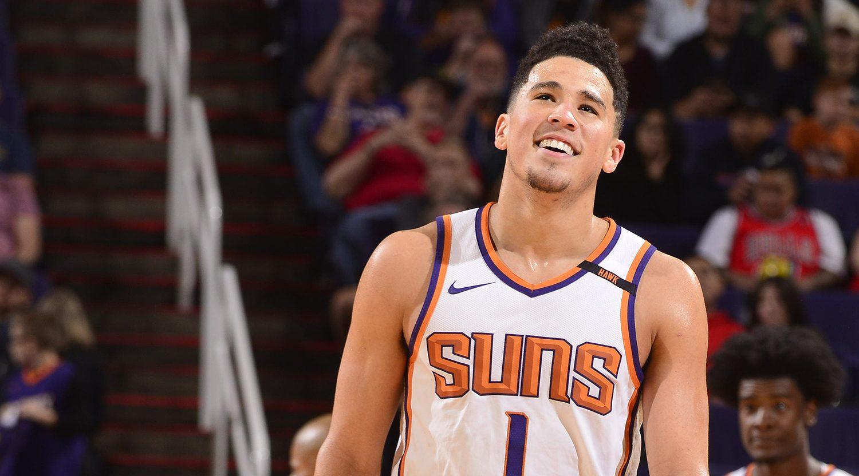 Devin Booker sous le maillot des Phoenix Suns