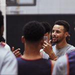 Insolite – Stephen Curry s'éclate en tant que coach à son camp d'entrainement !