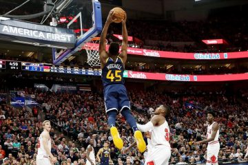 Donovan Mitchell en plein dunk contre Chicago