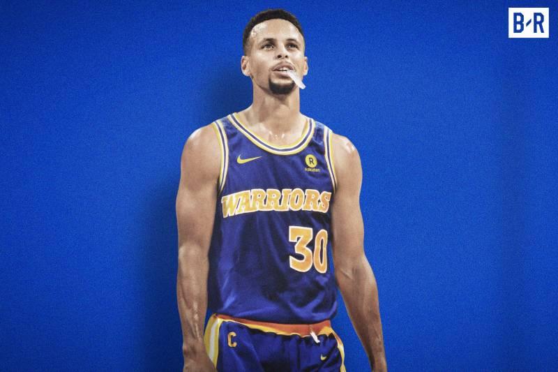 Stephen Curry sous le maillot rétro des Warriors