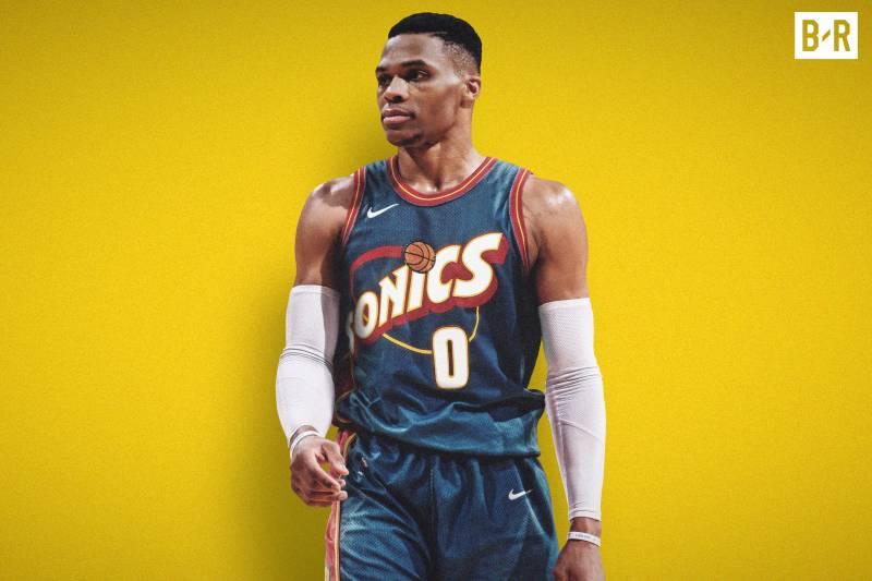 Russell Westbrook sous le maillot rétro des Sonics et du Thunder
