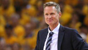 NBA – Steve Kerr balance un tacle gratuit aux Rockets