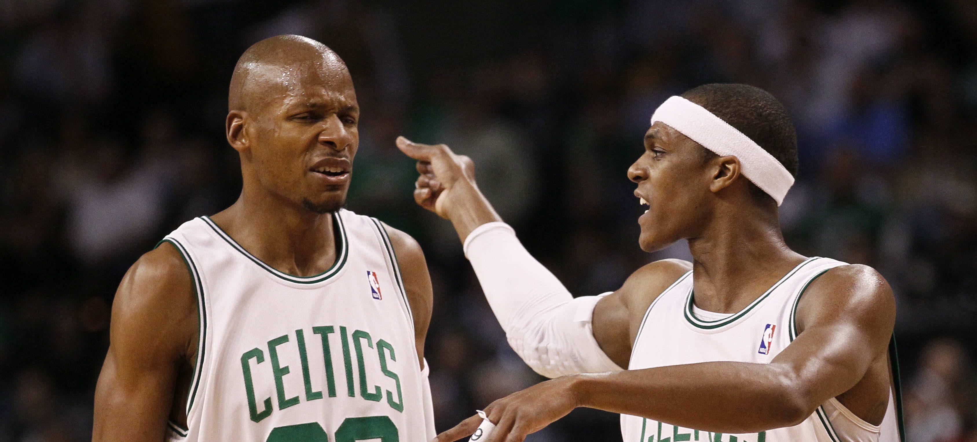 Ray Allen et Rajon Rondo s'invectivent sous le maillot des Celtics.