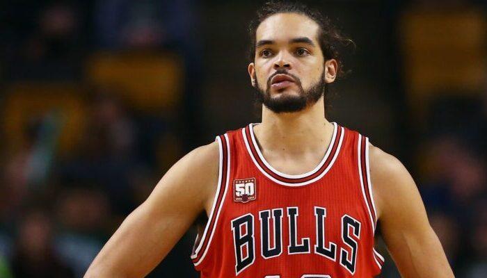 Joakim Noah sous le maillot des Bulls.