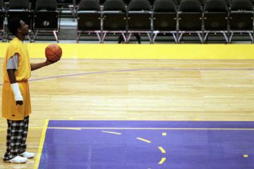 Kobe Bryant en pyjama lors d'un entraînement à Los Angeles