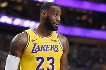 LeBron James sous le maillot des Lakers