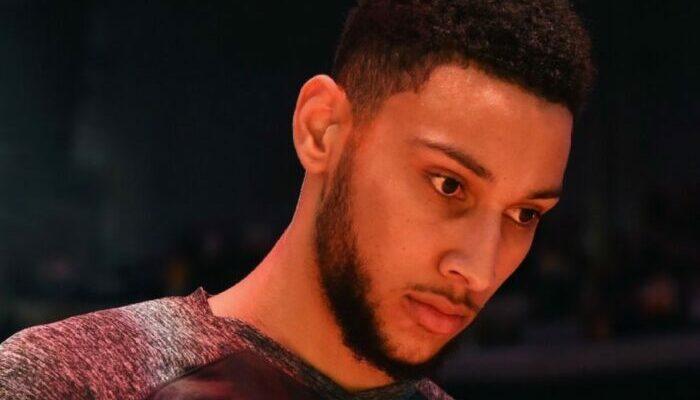 Ben Simmons est triste après ses 11 pertes de balles avec Philadelphie.