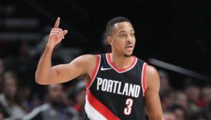 NBA – Le nouveau style capillaire très changeant de CJ McCollum