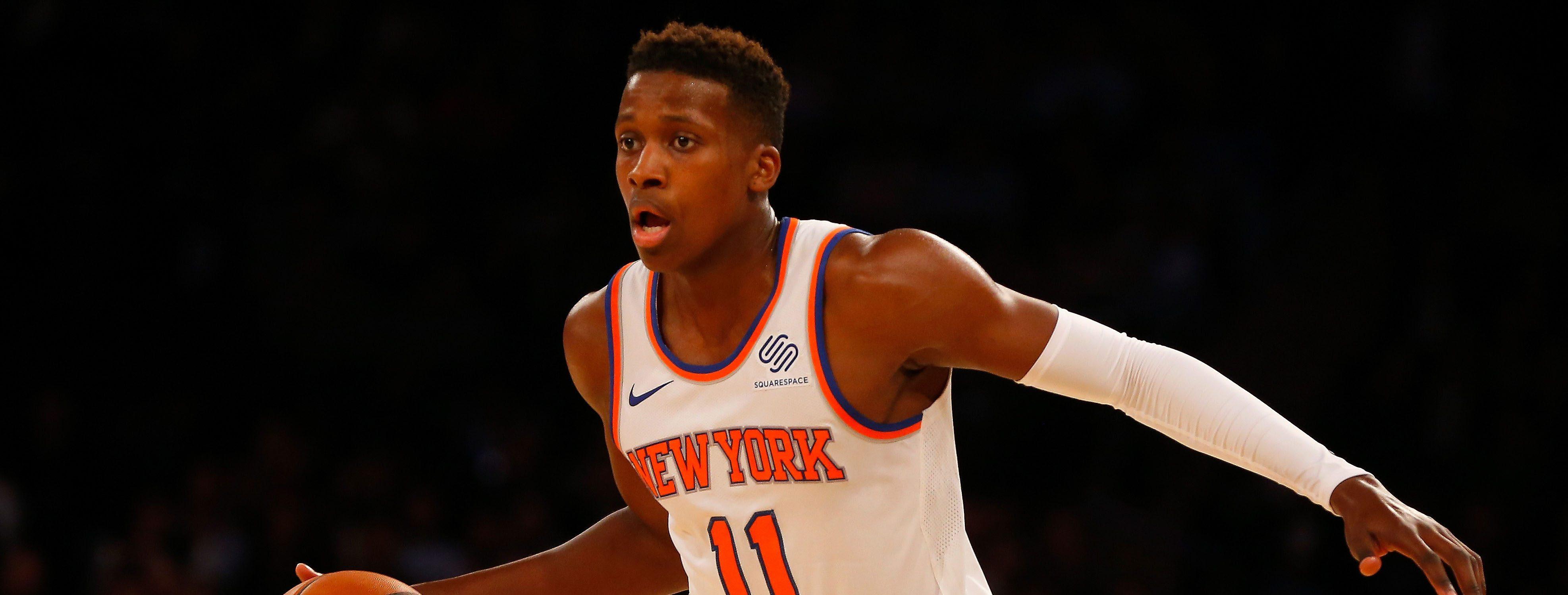 Frank Ntilikina, balle en main, sous le maillot des Knicks