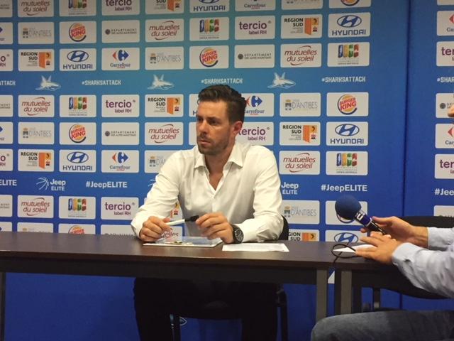 Julien Espinosa (Antibes) en conférence de presse