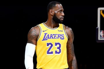 LeBron James sous le maillot des Lakers.