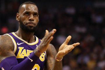 Lors de la première victoire de la saison face aux Suns, le King a décidé à rendre hommage à son coéquipier JaVale McGee