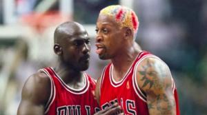 NBA – Dennis Rodman réagit aux critiques d'anciens Bulls contre Michael Jordan