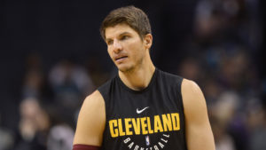 NBA – Kyle Korver rejoint Milwaukee !