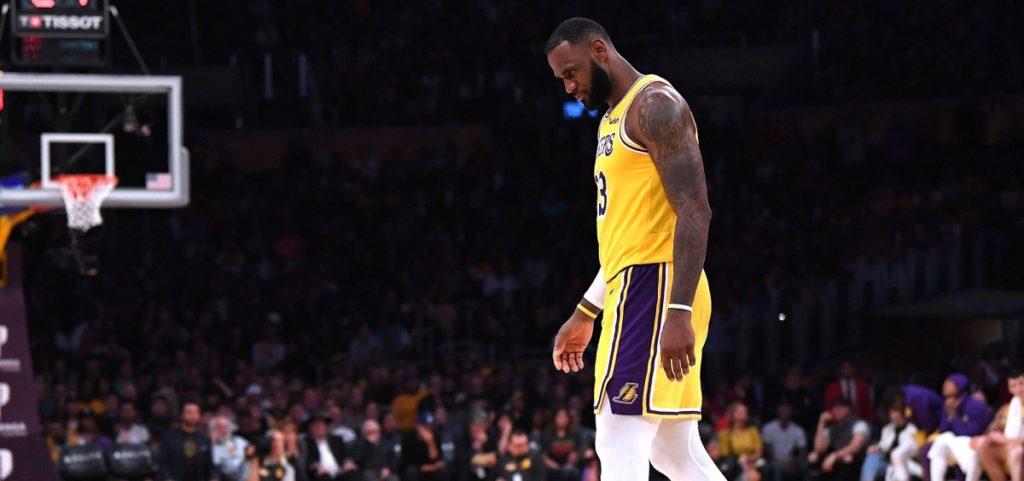 Les deux lancers-francs ratés par LeBron James auraient pu coûter la victoire aux Lakers hier soir face aux Hawks.