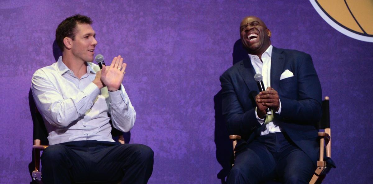 Magic Johnson l'a assuré : Luke Walton finira la saison sur le banc des Lakers à moins d'un gros imprévu