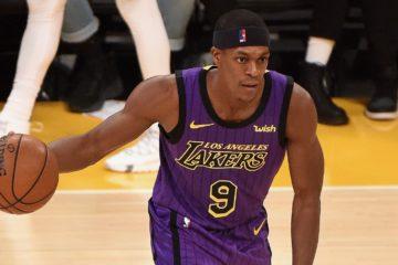 Rajon Rondo ballon en main lors du match Los Angeles Lakers - Portland Trail Blazers