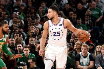 Ben Simmons au duel face à Marcus Morris. (NBA.com)