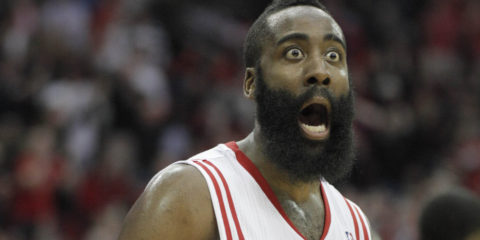 James Harden surpris par les rituels bizarres d'avant-match en NBA.