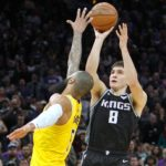 NBA – Top 10 : Bogdan tue les Lakers, Damian les Warriors