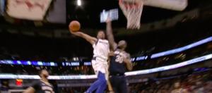 NBA – Top 10 : Dennis Smith Jr explose Julius Randle