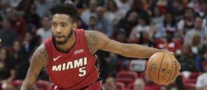 NBA – Top 10 de la nuit : Derrick Jones Jr écrase Julius Randle