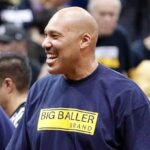 NBA – LaVar Ball sort du silence, détruit les Knicks, et tente d'y placer ses trois fils