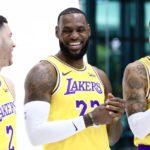 NBA – La réaction du banc des Lakers aux premiers points de leur rookie